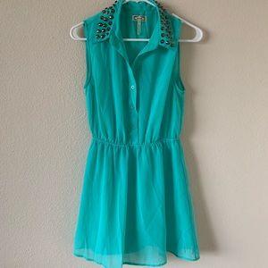 🆕 LIKE NEW KIRRA Dress with Studded Collar